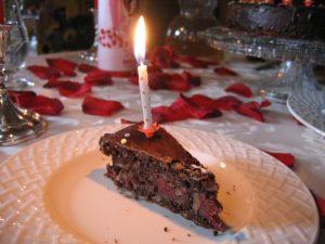 Geburtstag - ein Kuchen mit Kerzen gehört einfach dazu