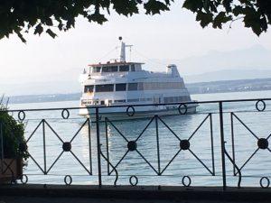 Viele Ausflugsschiffe legen in Meersburg an