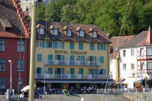 Das Hotel Seehof ist in Meersburg direkt am Hafen